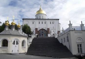 Szent Háromság székesegyház, Pocsajevi Lavra