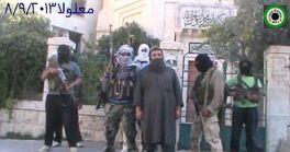 Szíriai felkelő harcosok a Szent Tekla monostor kapuja előtt