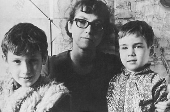 Natalia Gorbanyevszkaja a fiaival