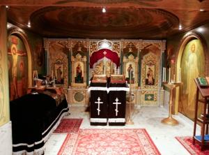 A székesegyház kriptájában található Szent János sírja